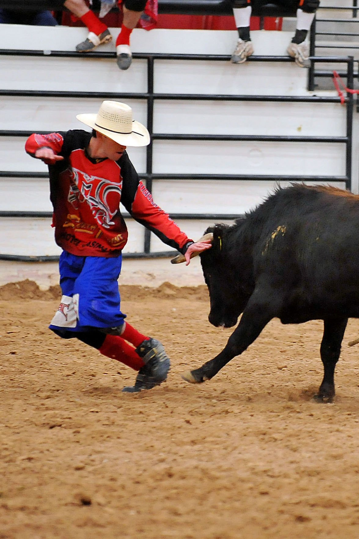 Freestyle bullfighting — new at the Grant County Fair