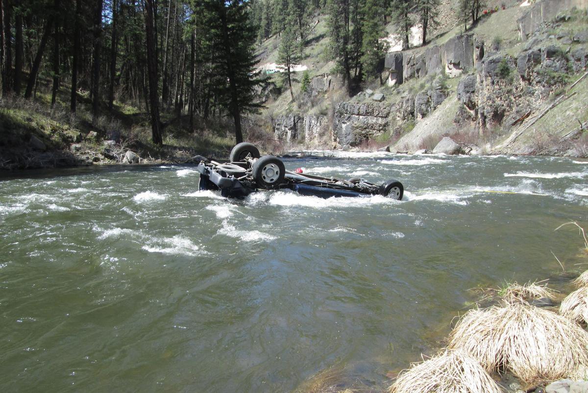 Man killed after crashing into North Fork John Day River