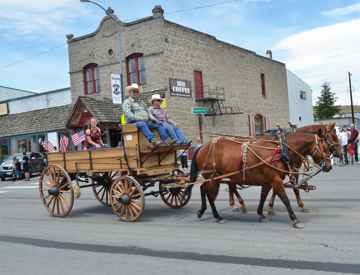 Prairie City Fourth pleases crowd