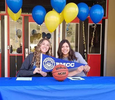 Tyler Blood and Kaytlyn Wells sign with Blue Mountain Community College to play basketball