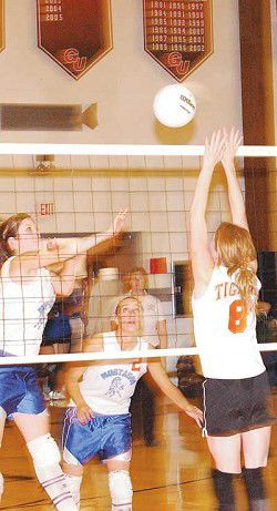 Local volleyball teams fall short in HDL tournament