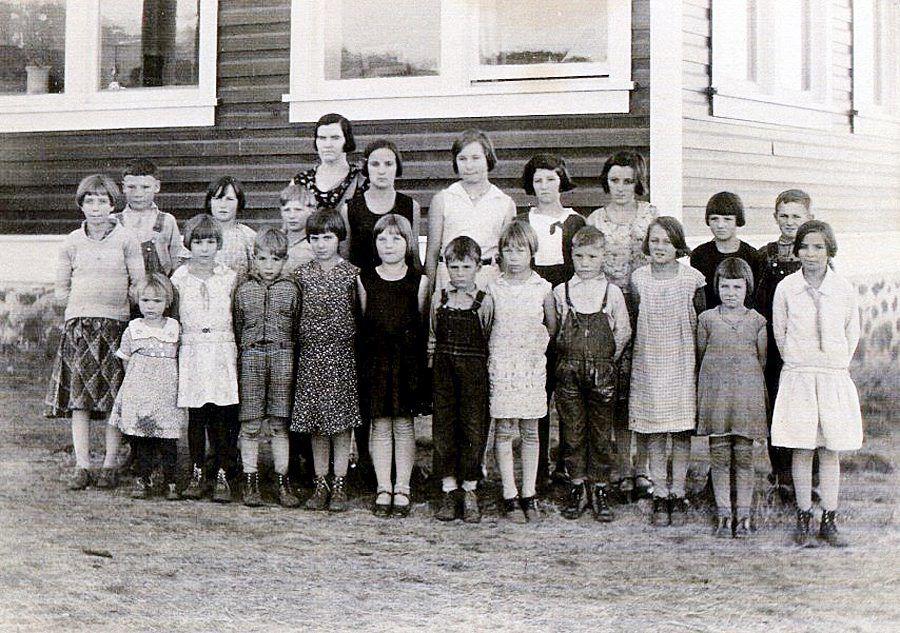Marysville School Days  Growing up on Pine Creek