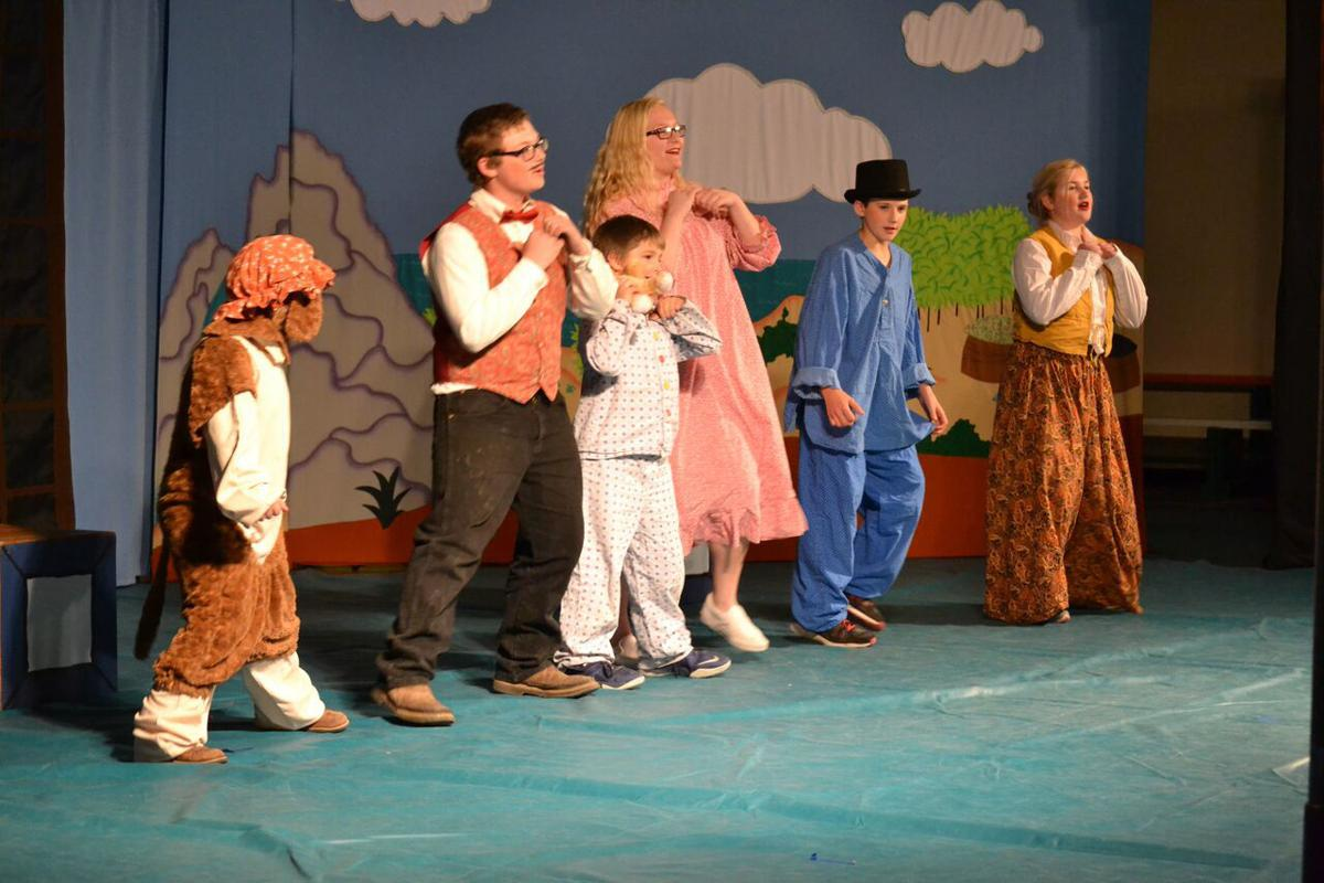 Monument students perform 'Peter & Wendy' on stage