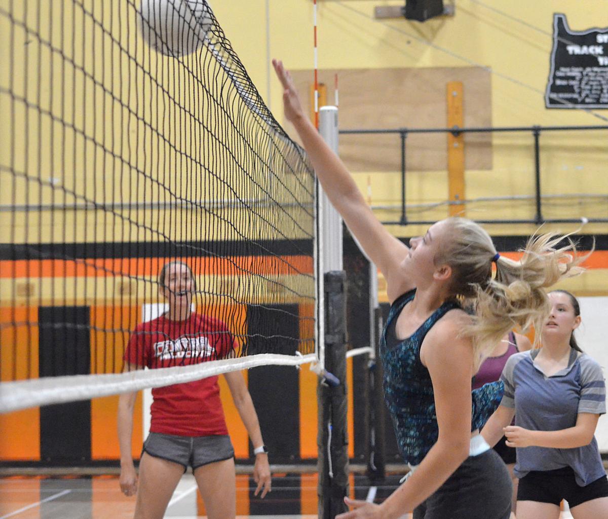 Prairie City volleyball