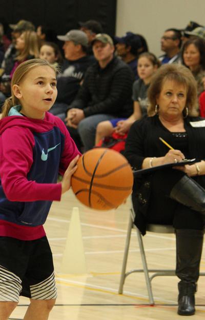 Hoop shooters compete