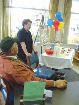 Bank of Eastern Oregon says goodbye to longtime worker