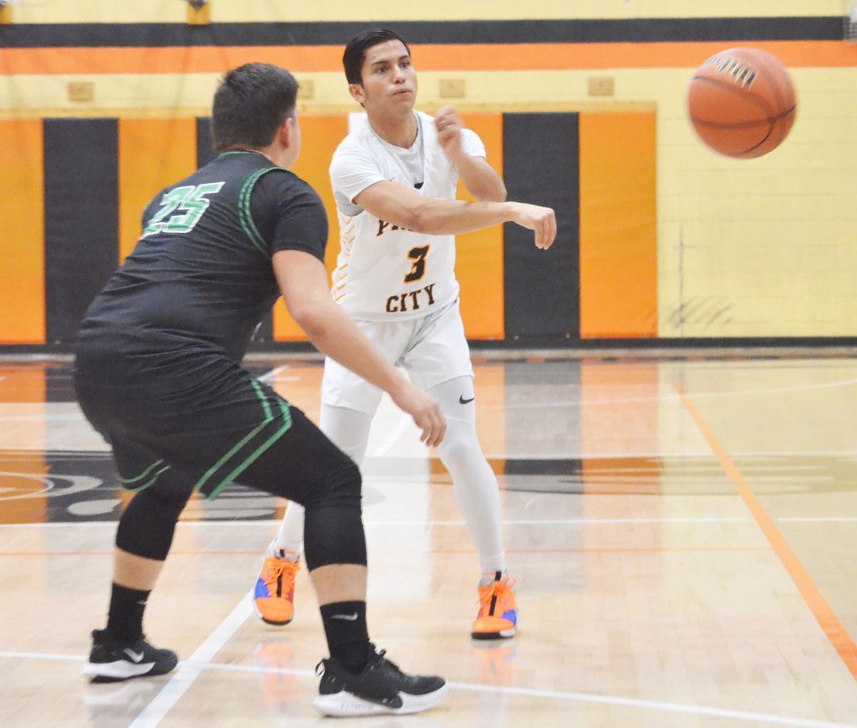 The Prairie City boys basketball team extend win streak to fifteen