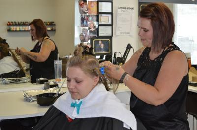 New salon opens in John Day