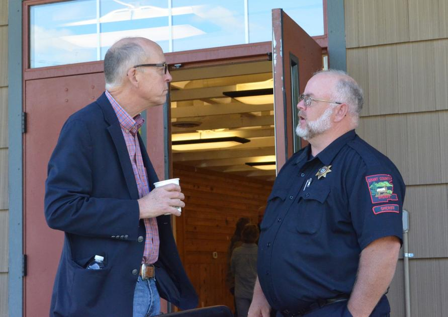 Walden outlines bills at town hall meeting