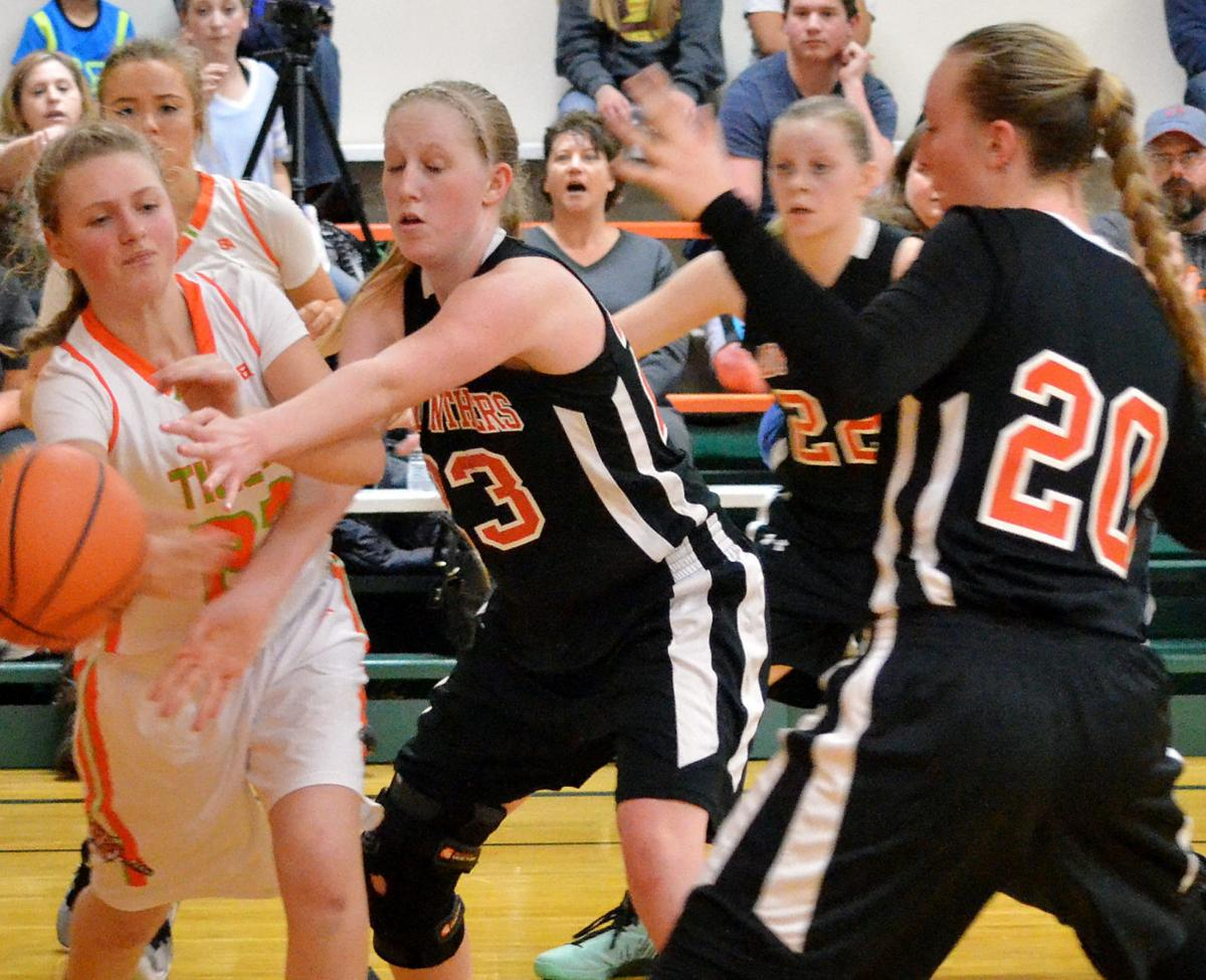 Final seconds decide Lady Panthers' win over Tigers