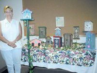 Baker finds relaxation by decorating birdhouses