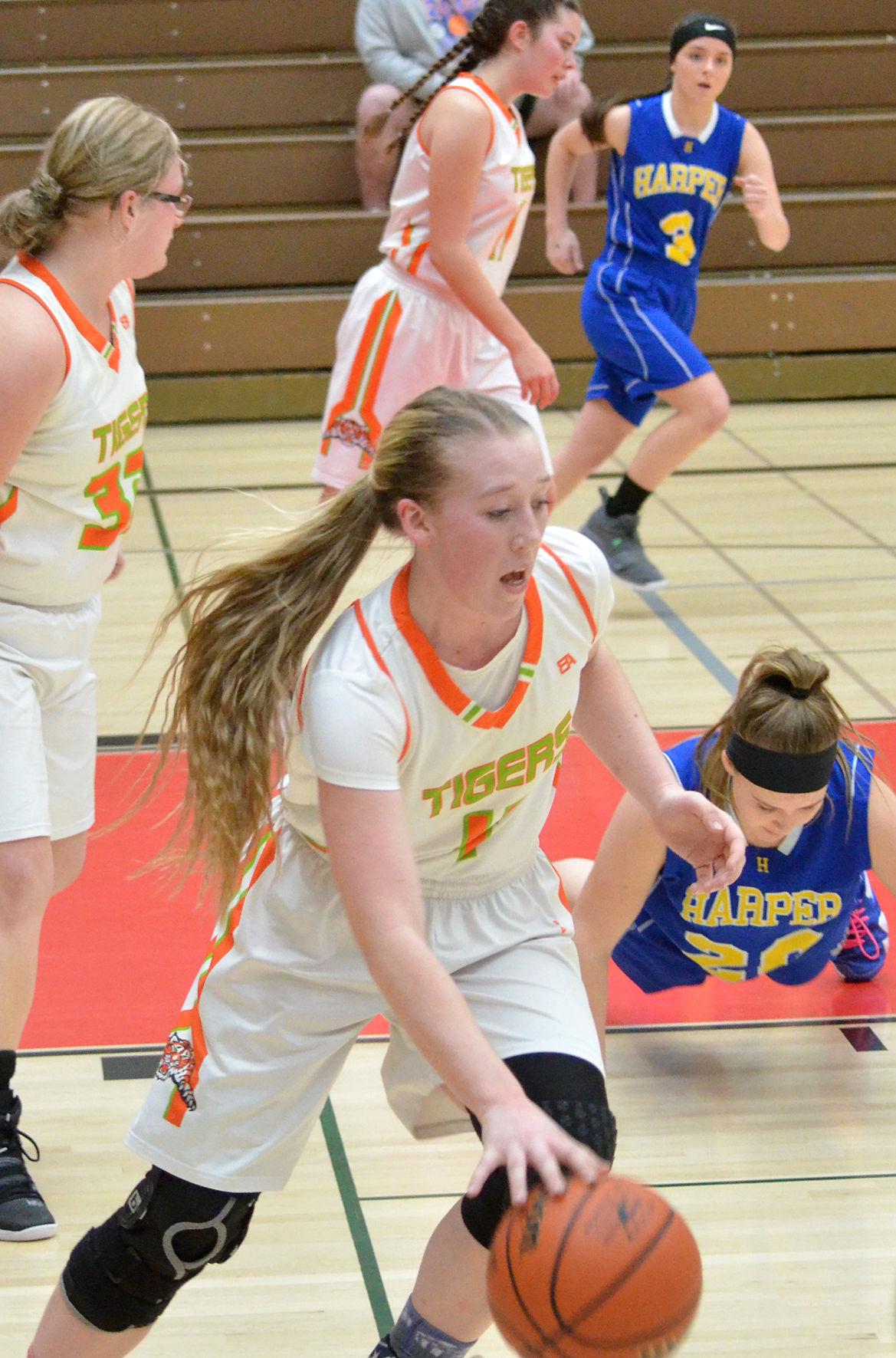Dayville/Monument girls basketball