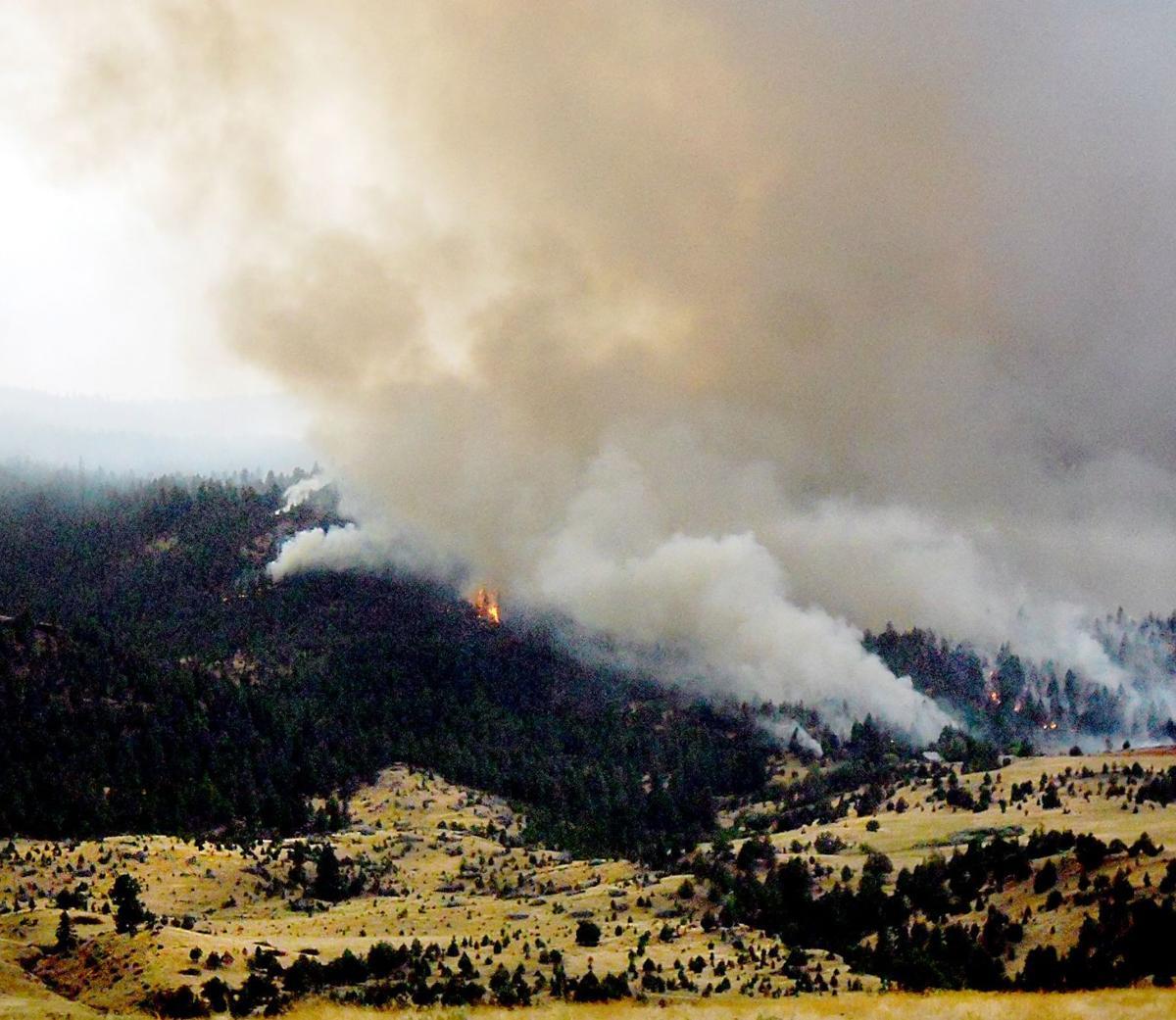 Crews battle Lost Hubcap Fire
