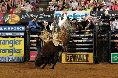Bull rider Dustin Elliott to be honored by his alma mater