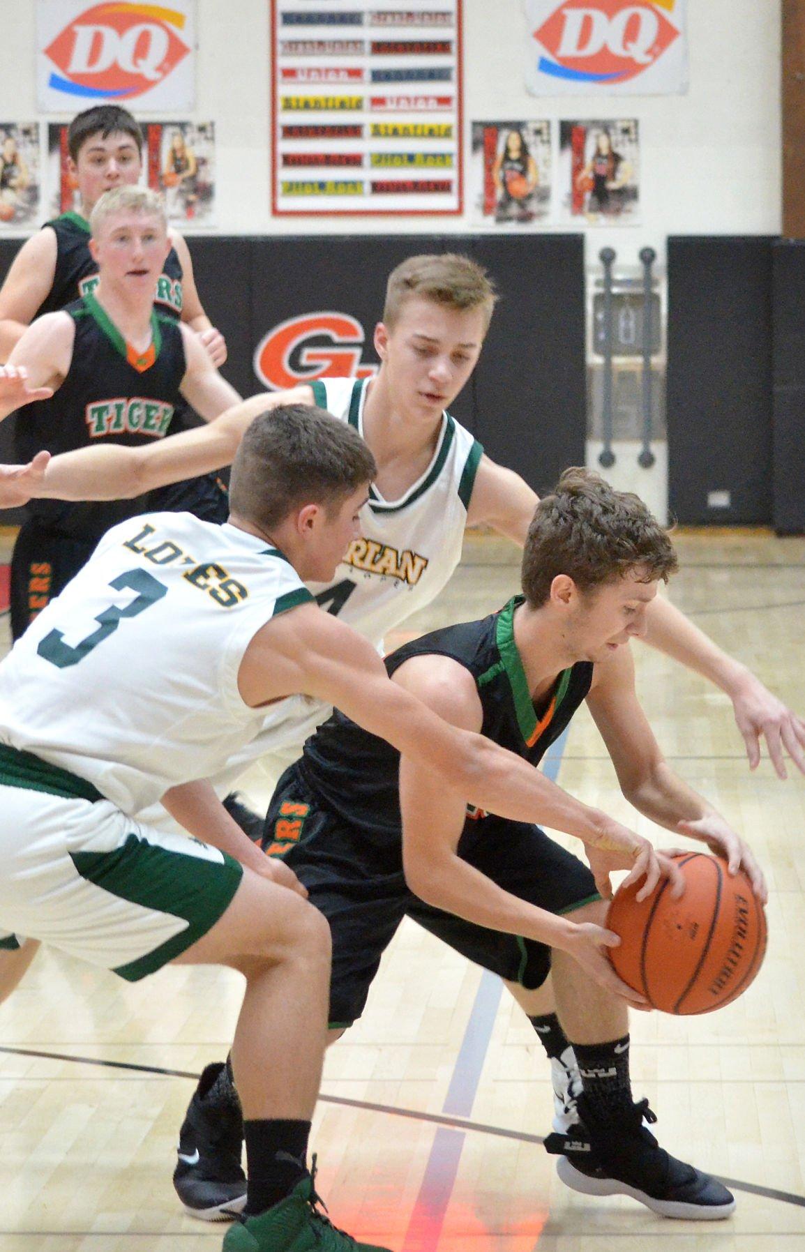 Dayville/Monument boys basketball