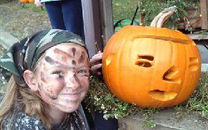 Halloween artists put carvings on display