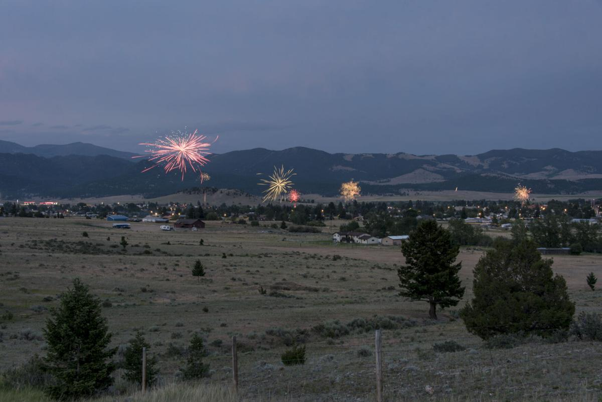 210707 PHOTO Fourth of July Fireworks Boulder JOSHUA - 2