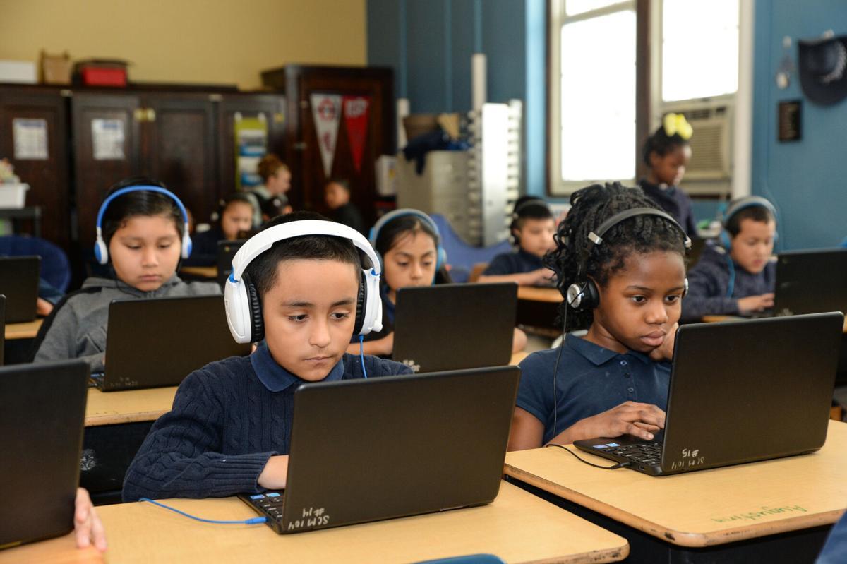 Computers_Headphones_ATD_9640.jpg