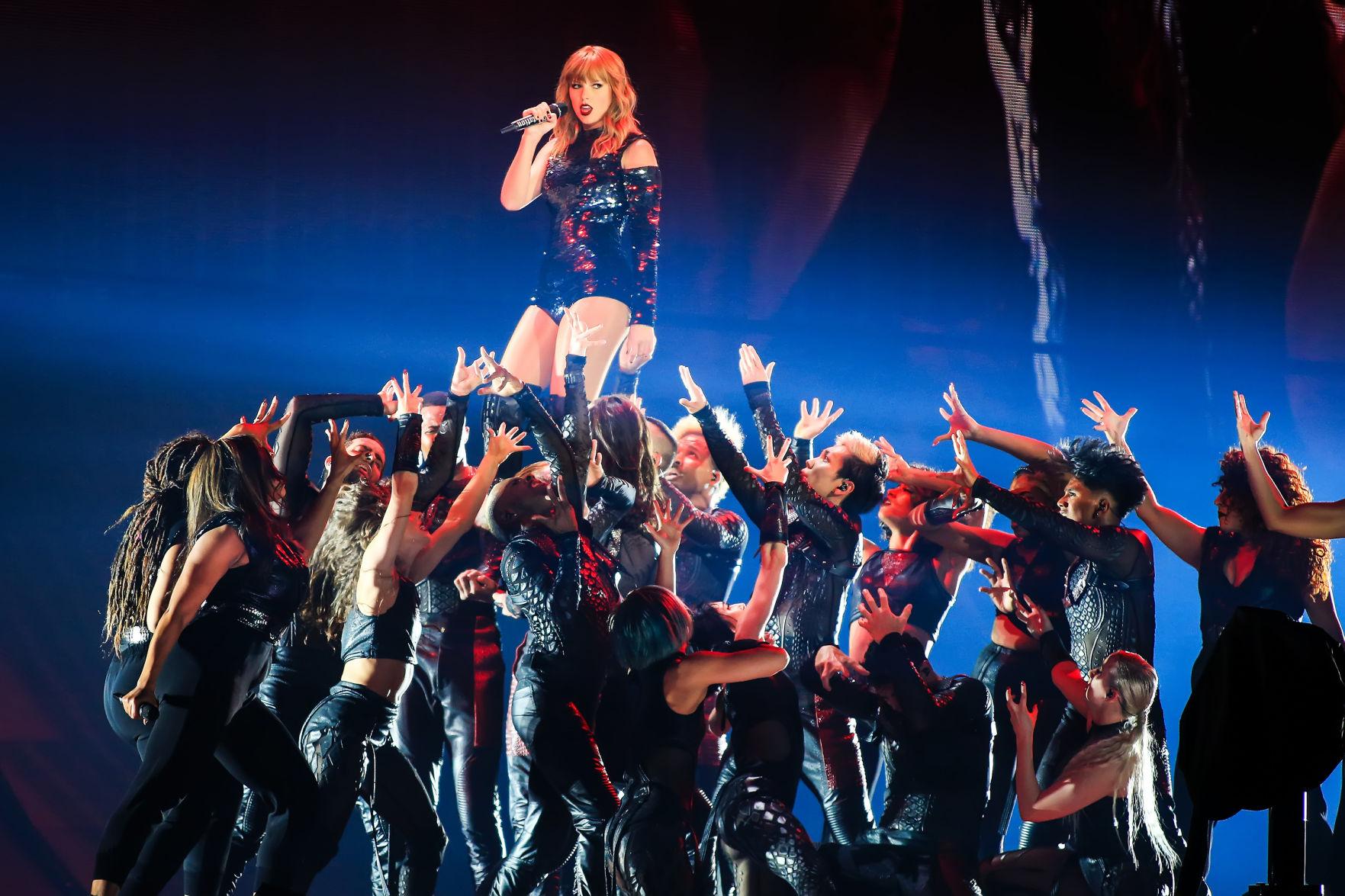 Netflix Brings Taylor Swift S Reputation Stadium Tour To Life Culture Breezejmu Org