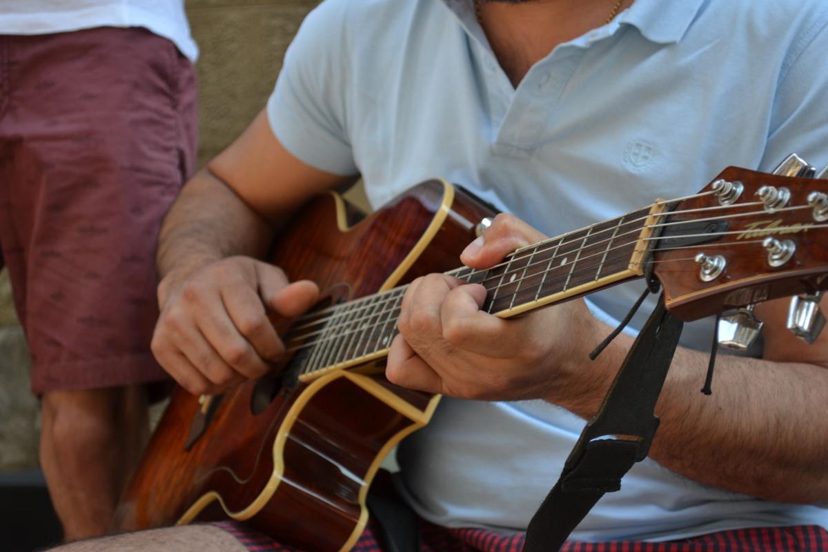 Florence guitar player