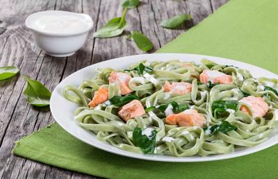 BuffaloSpree.com's Recipe of the week: Fettuccine with Salmon, Spinach, and Cream