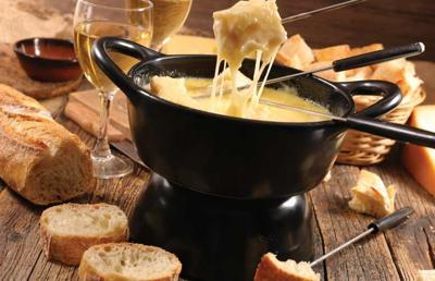 BuffaloSpree.com's Recipe of the week: Crab and Cheddar Fondue