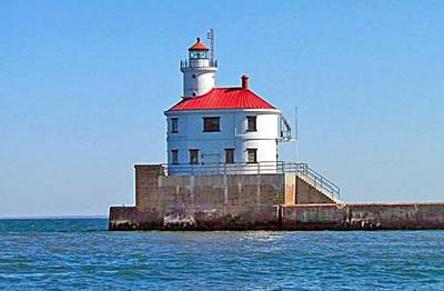 Historic Superior lighthouse sold at auction