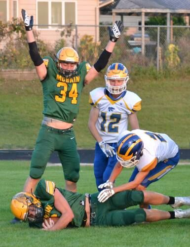 Ramblers control trenches, beat Evart