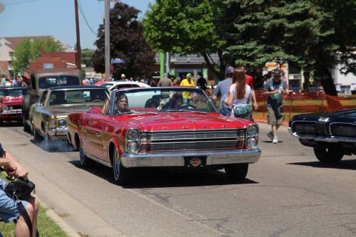 Generations bond over classic automobiles at Cadillac Lakes Cruise and Car Show