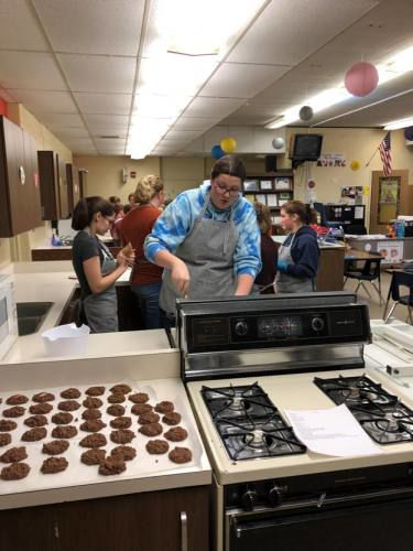 Cadillac High School Baking Club receives start-up grant