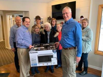 86-year-old Marion woman no longer has to live without microwave