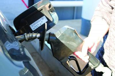Michigan, Cadillac area gas prices fall