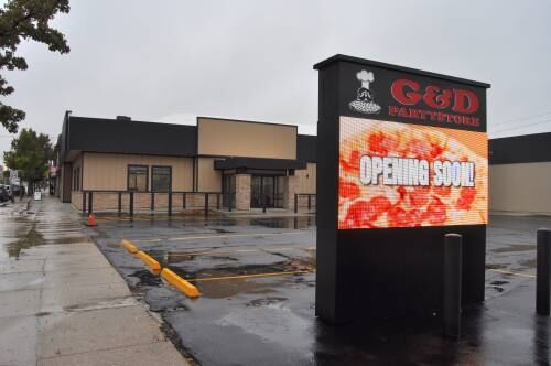 New G and D Pizza building nearing completion; other major projects ongoing in area