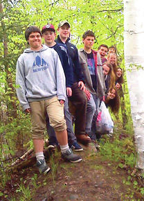 Profile students hike Coffin Pond