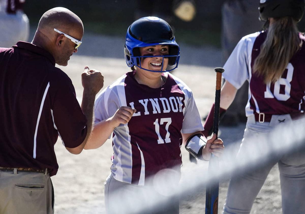 Simpson, Lyndon All Business In Semifinal Rout