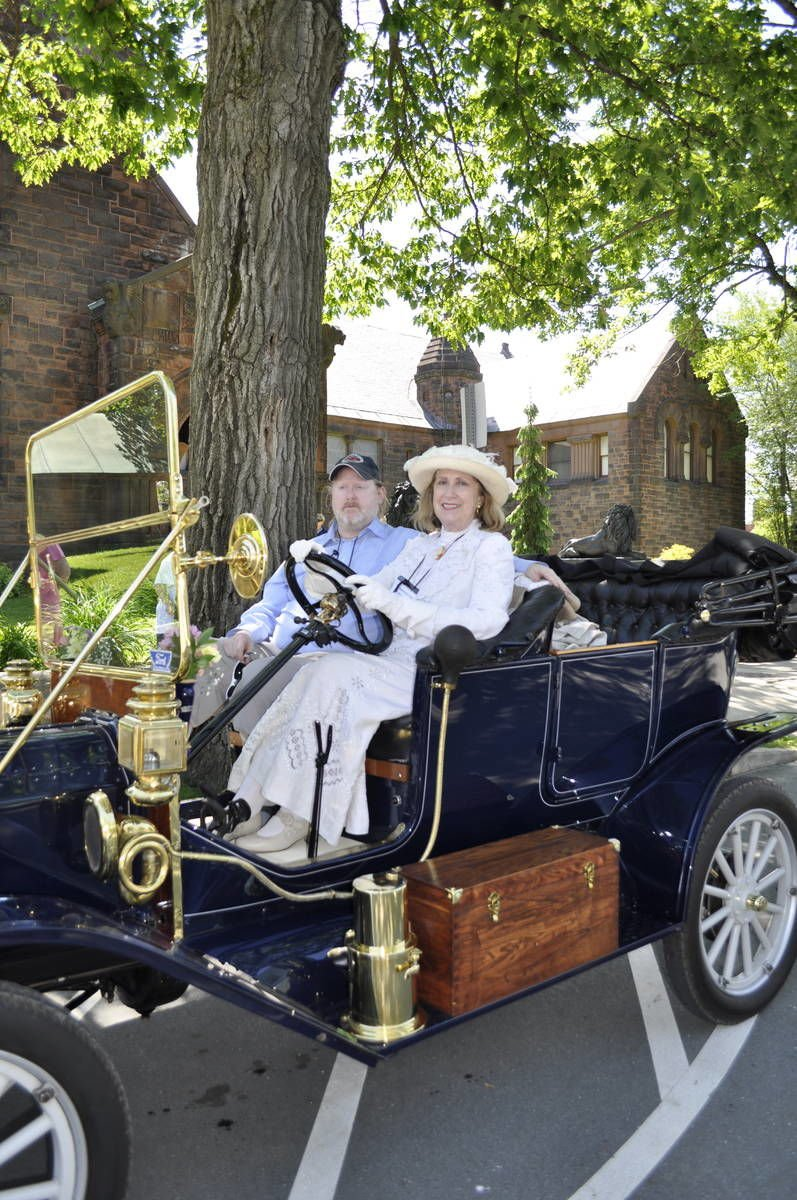 Antique Car Tour Livens Up St. Johnsbury Monday