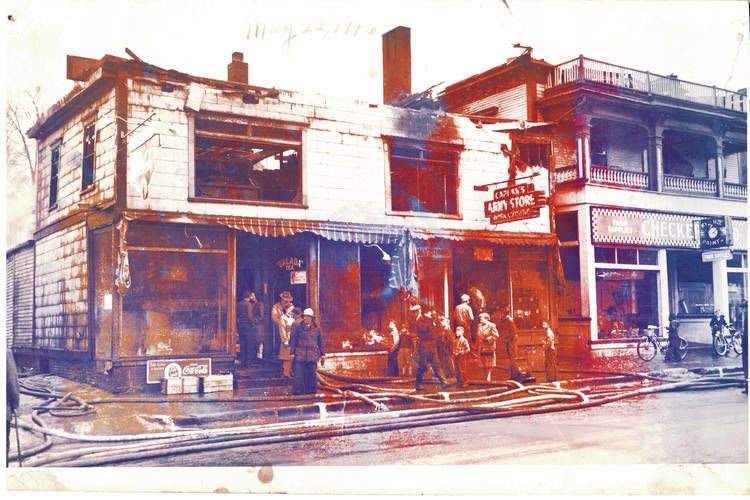 Peggy Pearl: History of Caplan's