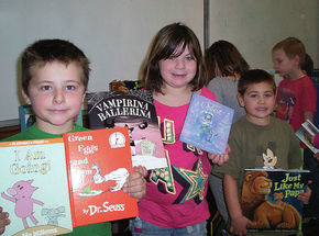Stratford students receive new books through CLiF