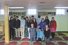 Global Studies Students Visit Islamic Mosque