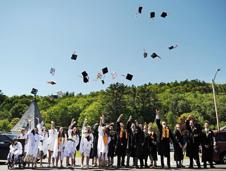 Lisbon Says Farewell To Tight-knit Class