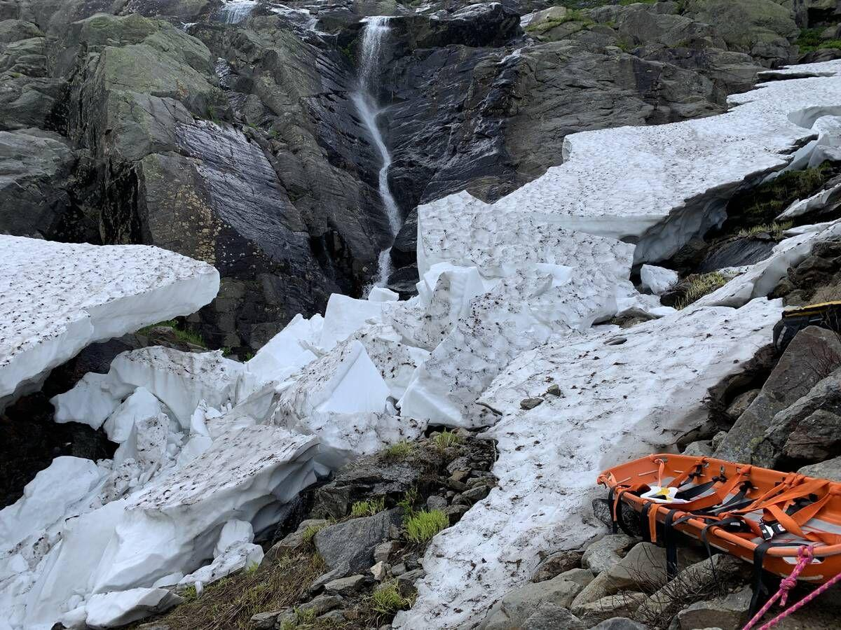 Hiker Assisted Down Tuckerman Trail After Being Caught Under Snow Collapse