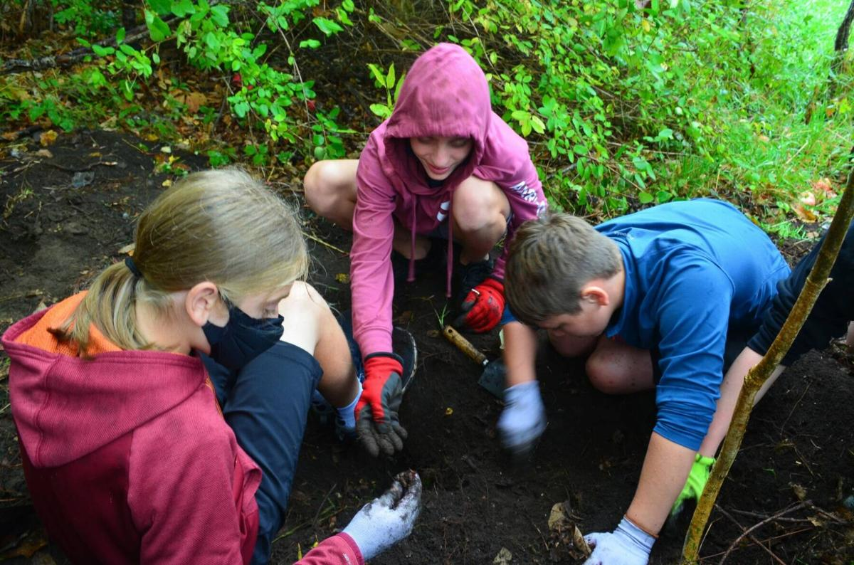 Barnet Students Participate In Archaeological Excavation