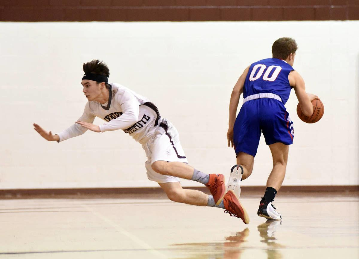 Monday's H.S. roundup: Lyndon fights off Hurricanes