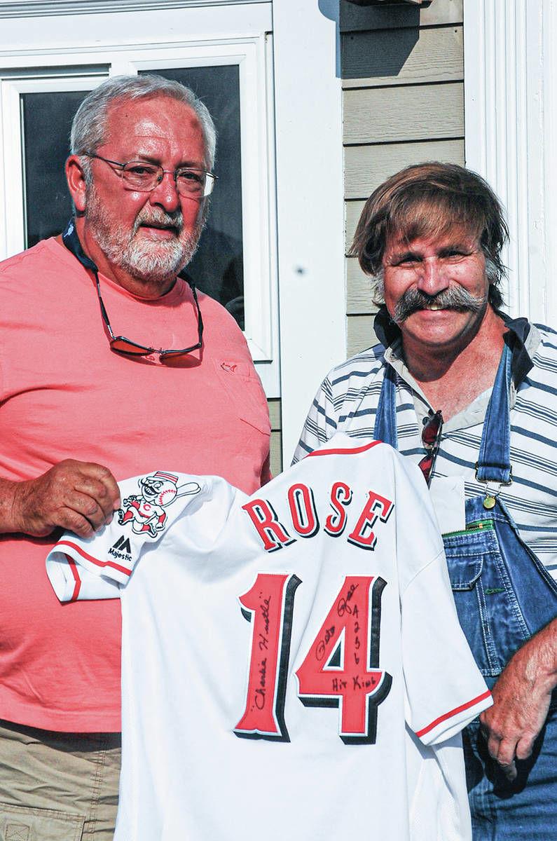 Conte, Pete Rose Treat Local Fan