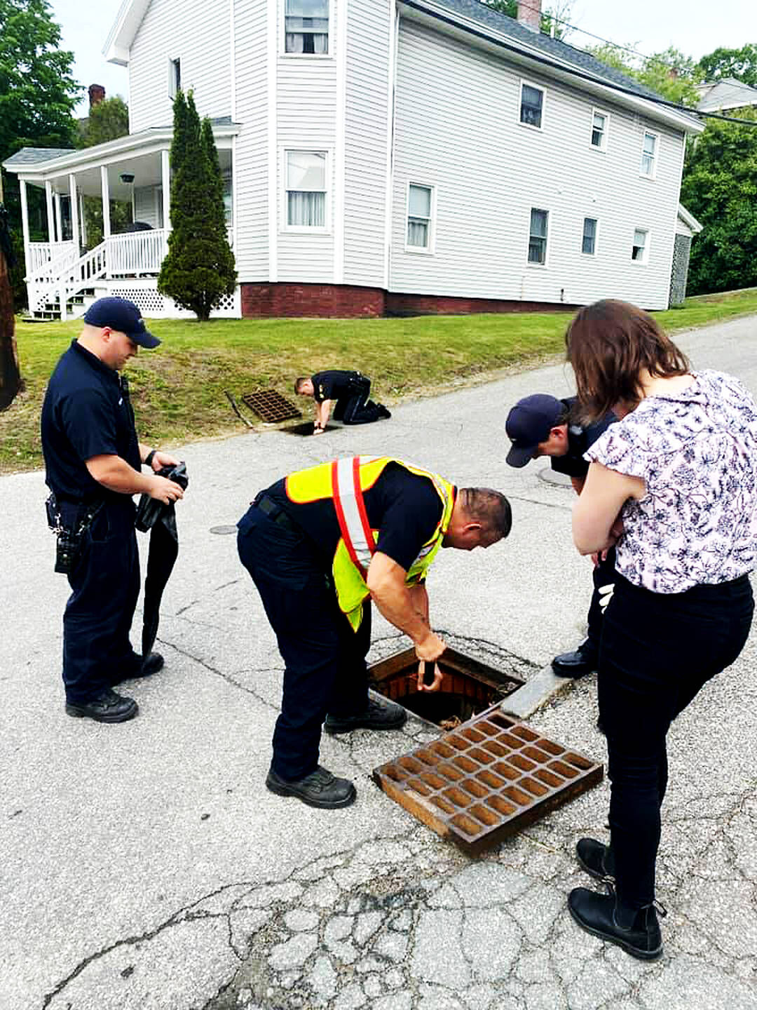 Ducklings Saved Thanks To 'Quack' Response From LPD, LFD