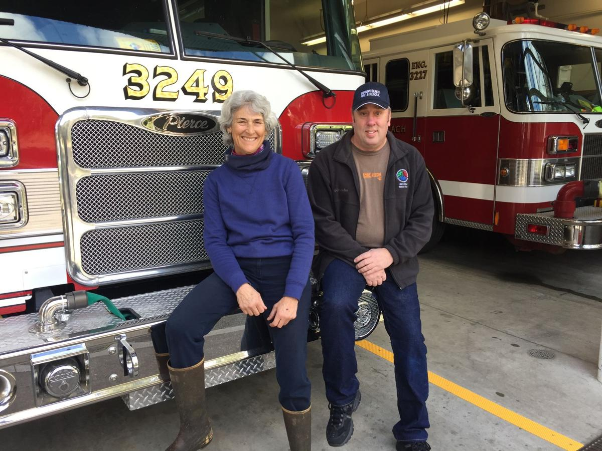 Firefighters Cremer, Moon to retire
