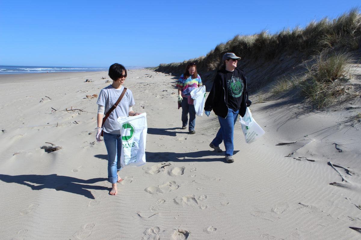 Annual SOLVE Spring Oregon Beach Cleanup
