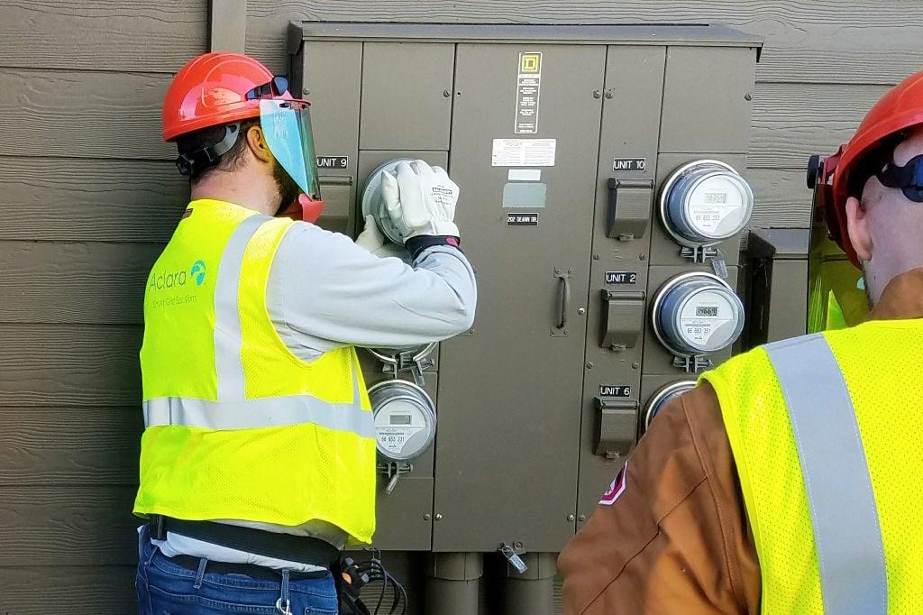Pacific Power smart meter installation
