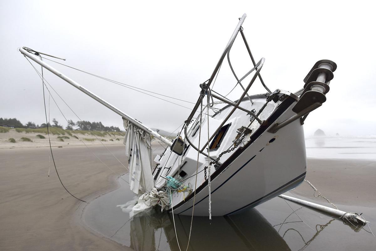 El Corazon wreck removed