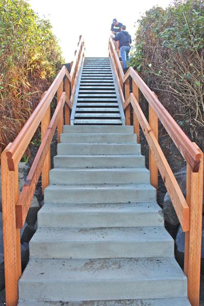 Gogona Avenue stairs open for public use